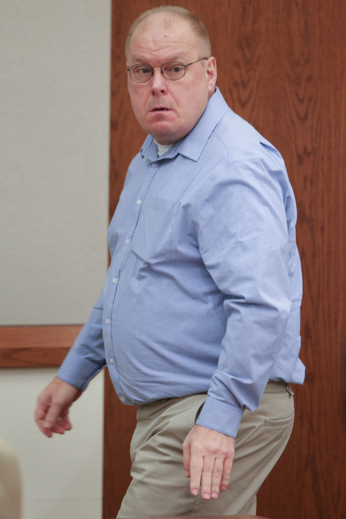 Mark Wilson enters courtroom