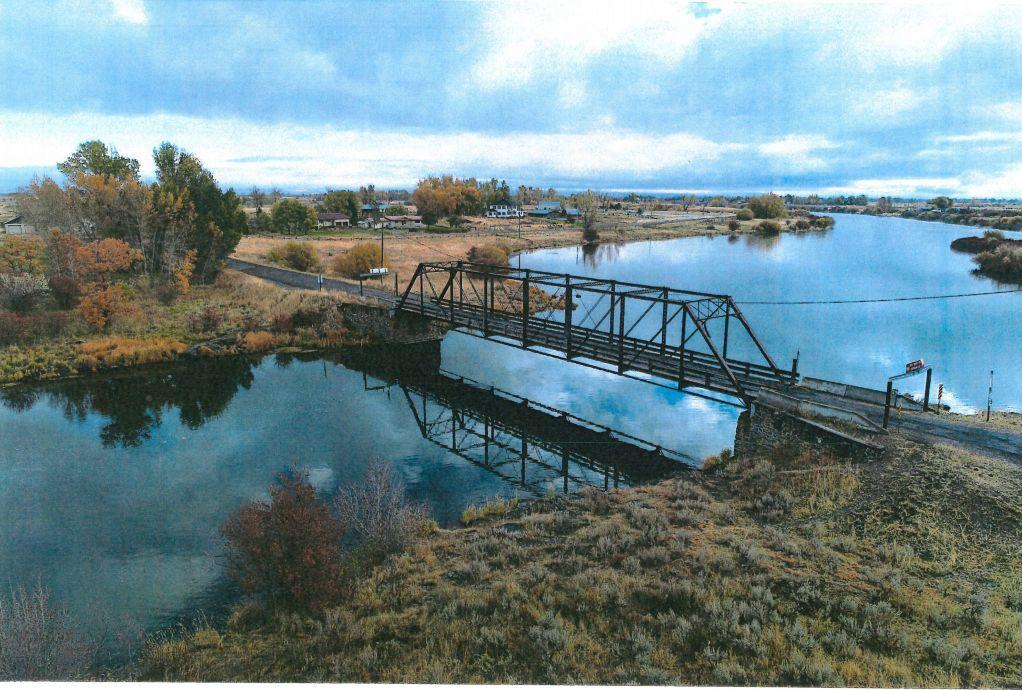 Tentative design for Fun Farm Bridge presented to Fremont Commissioners