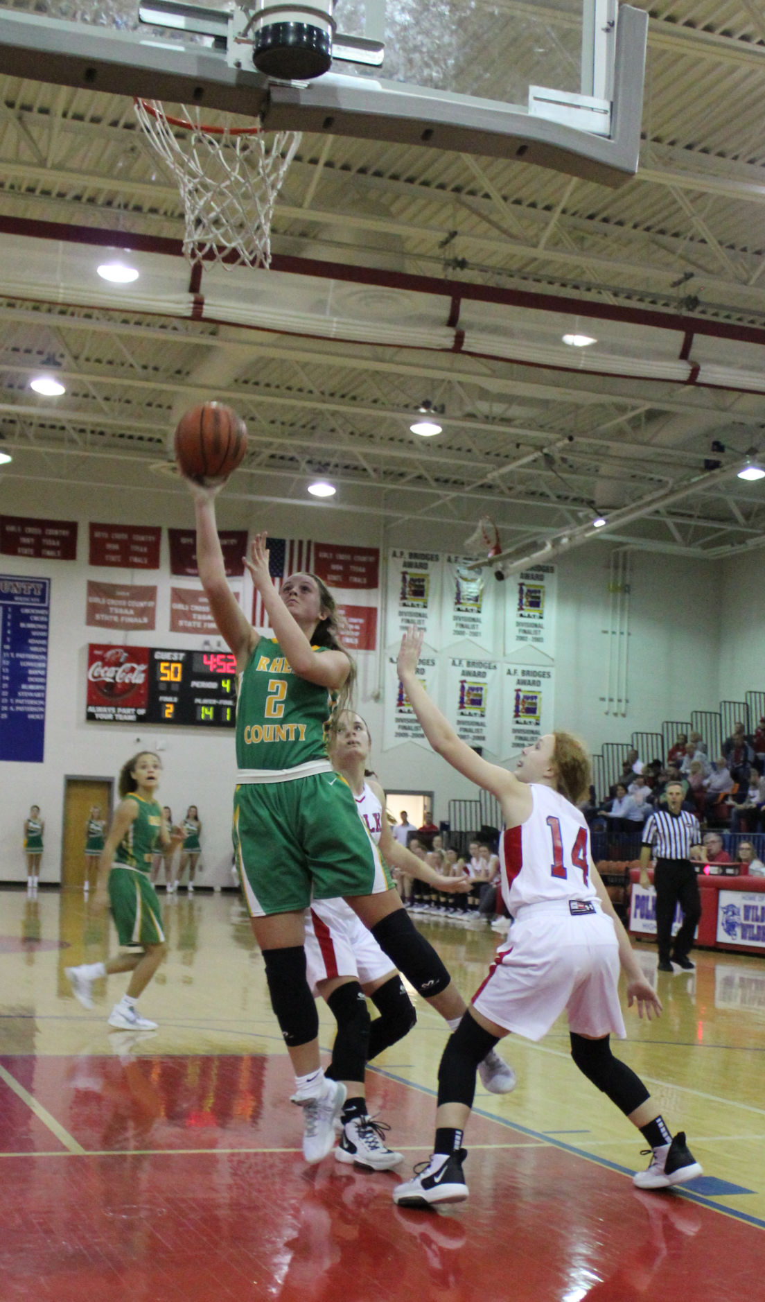 EAGLE HOOPS TANGLE WITH 'CATS, GO 1-1