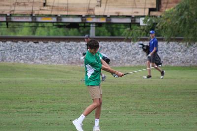 Eagle golfers sweep McMinn teams in quad-match