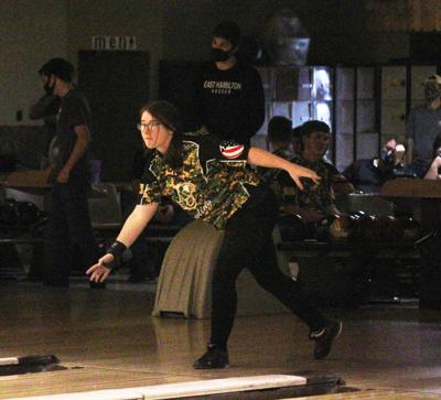 EAGLE BOWLERS CONCLUDE REGULAR SEASON WITH SPLIT