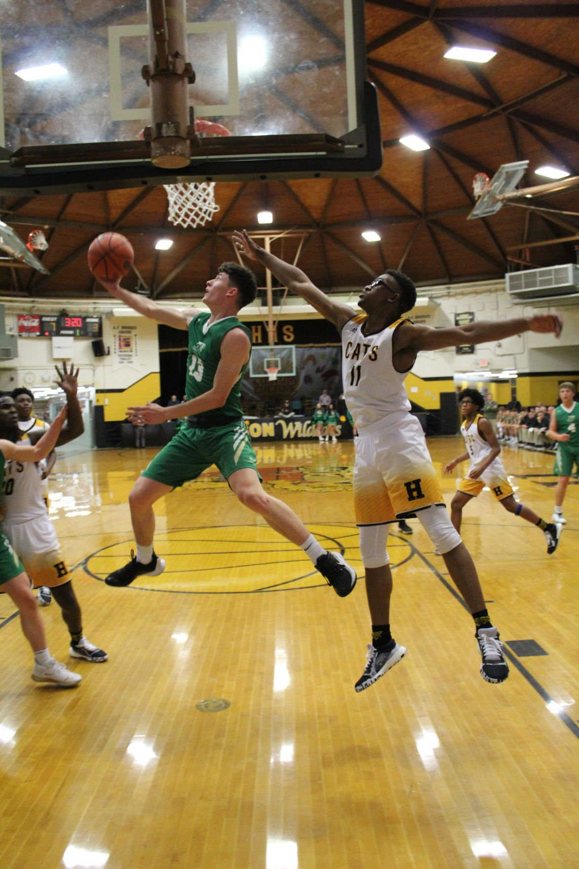 EAGLE HOOPS ROUT THE WILDCATS
