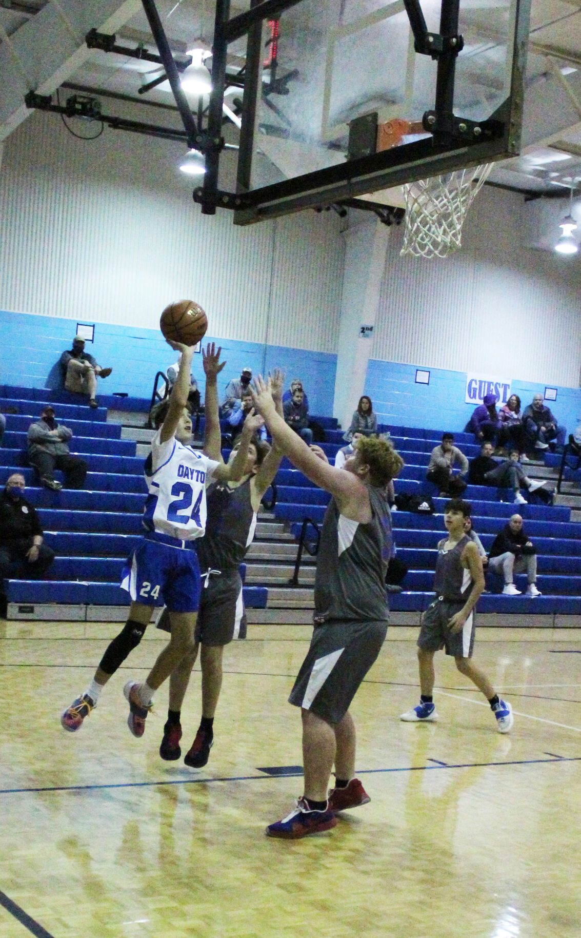 DCS HOOPS SPLIT WITH NORTH STARS