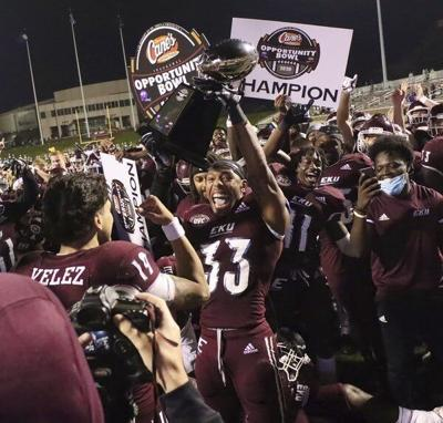 NCAA FOOTBALL: Colonels close out season with big win