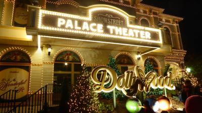 Dollywood Christmas.Dollywood Dresses Up For Christmas News Richmondregister Com