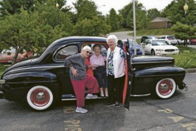 Happy 100th birthday: 3 centenarians celebrate milestone at McCready Manor
