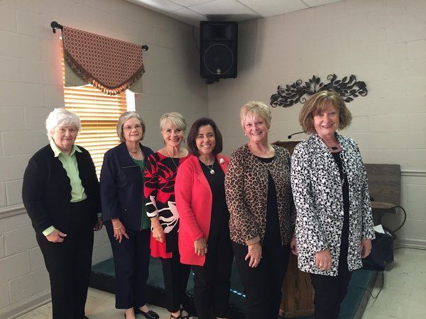 Garden Club members attend district meeting