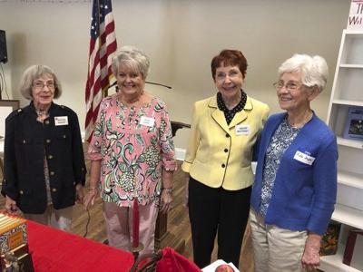 Retired teachers holdmemorial service