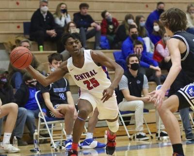 HIGH SCHOOL HOOPS: Johnson leads LexCath past Central