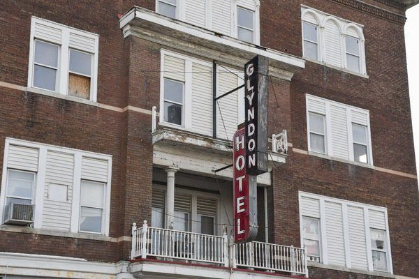 Revitalizing the Glyndon Hotel?