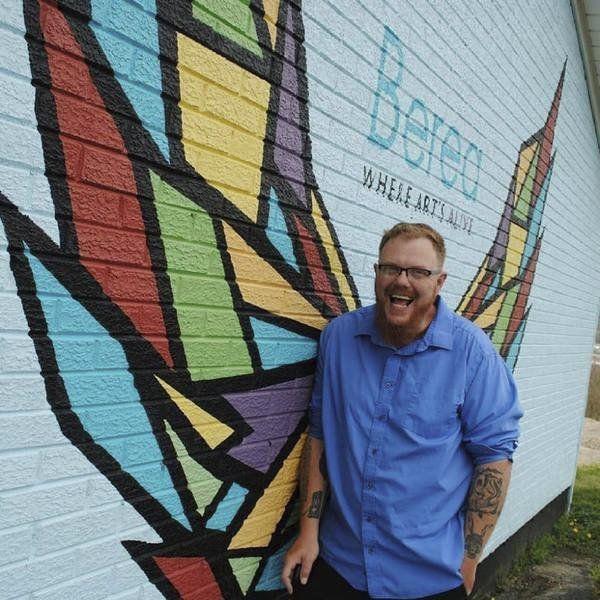 Littering Berea in murals