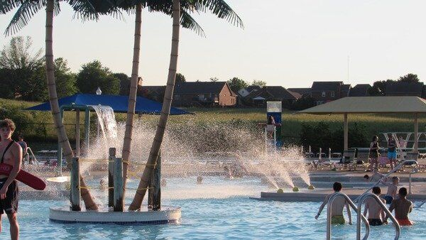 Richmond Parks hosts events at the pool, Lake Reba
