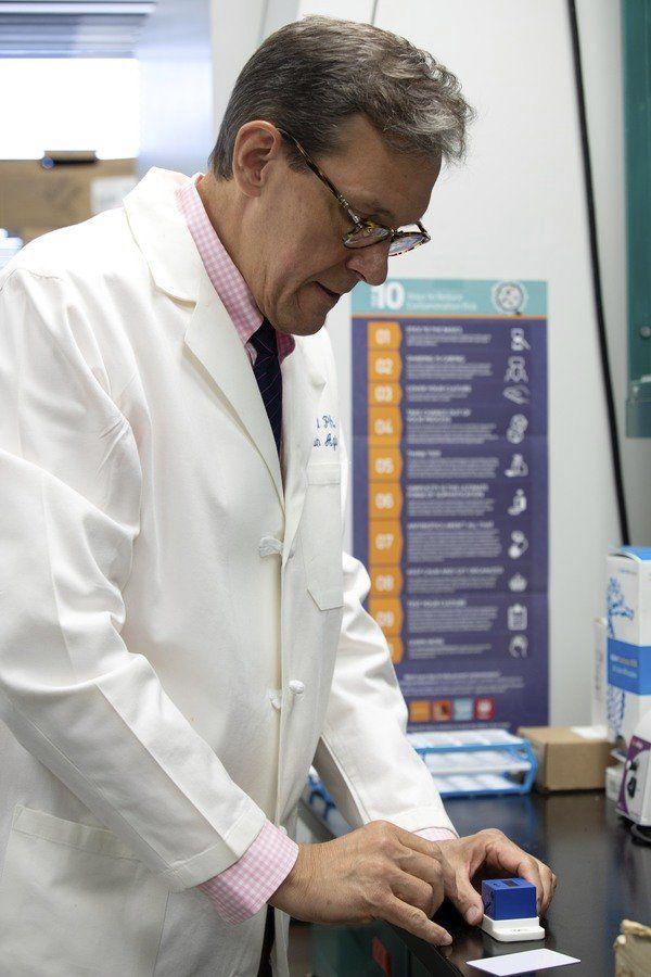 Chemistry researcher develops innovative testing, potential remedies for headtrauma, Alzheimer's
