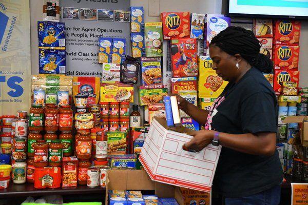 Bechtel Parsons donates 3,800 cans of food