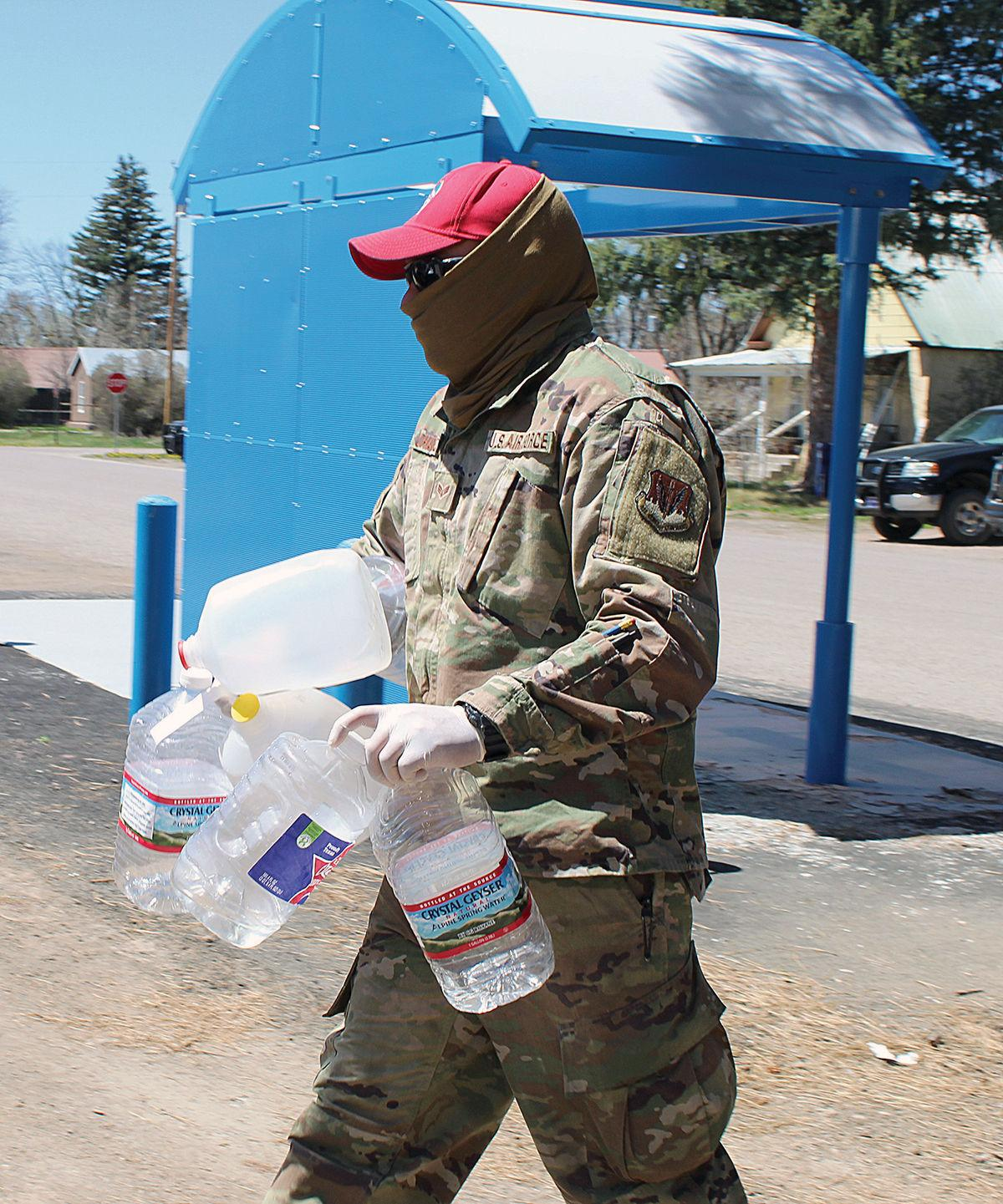 National Guard delivers water to Chama vert