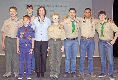 Scouts meet Senator