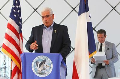 Mayor addresses virtual crowd