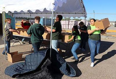 Students help Good Samaritans