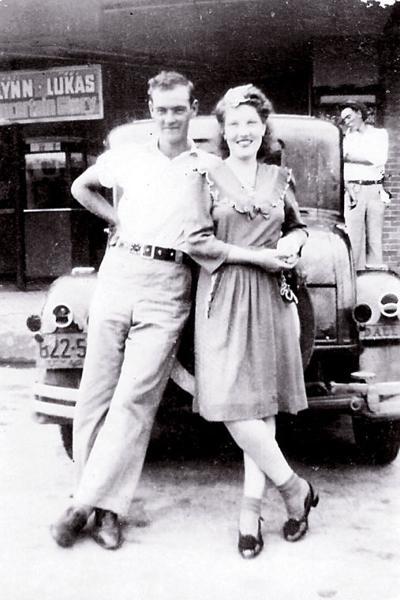 8-4-1944-JuanitaTabor&FirstHusband.jpg