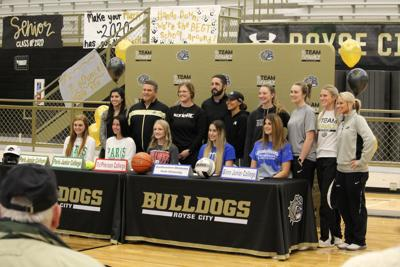 Lady Bulldogs sign letters of intent