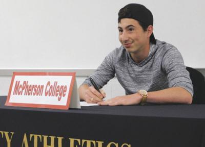 Gio at signing