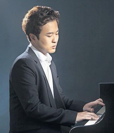 Young pianist, big program Sunday