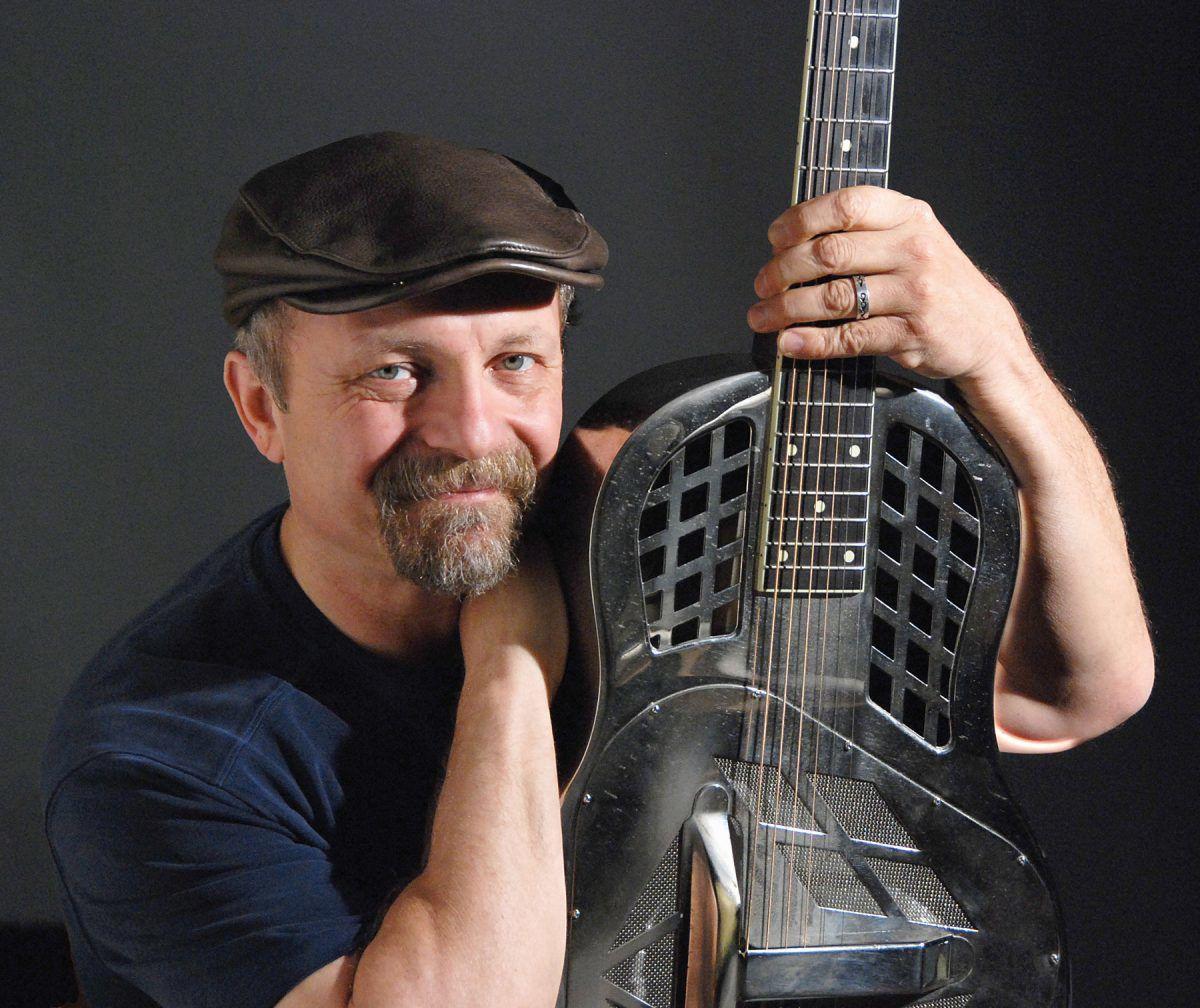 Bluesman Toby Walker.jpg