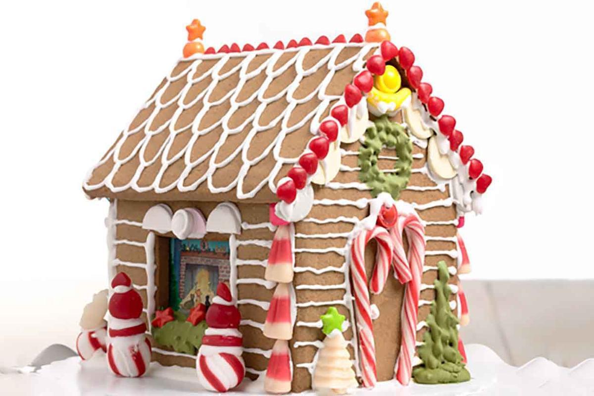 Artisan ginger bread house 4539s