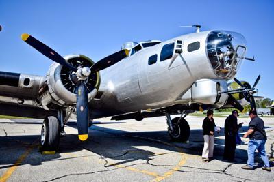 0919 B-17 FLIGHT 001.jpg