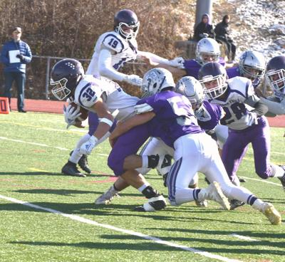 BF 32 JED LOBER SOCRES TACKLE BY BR 53 RAYMOND PLUMMER-1