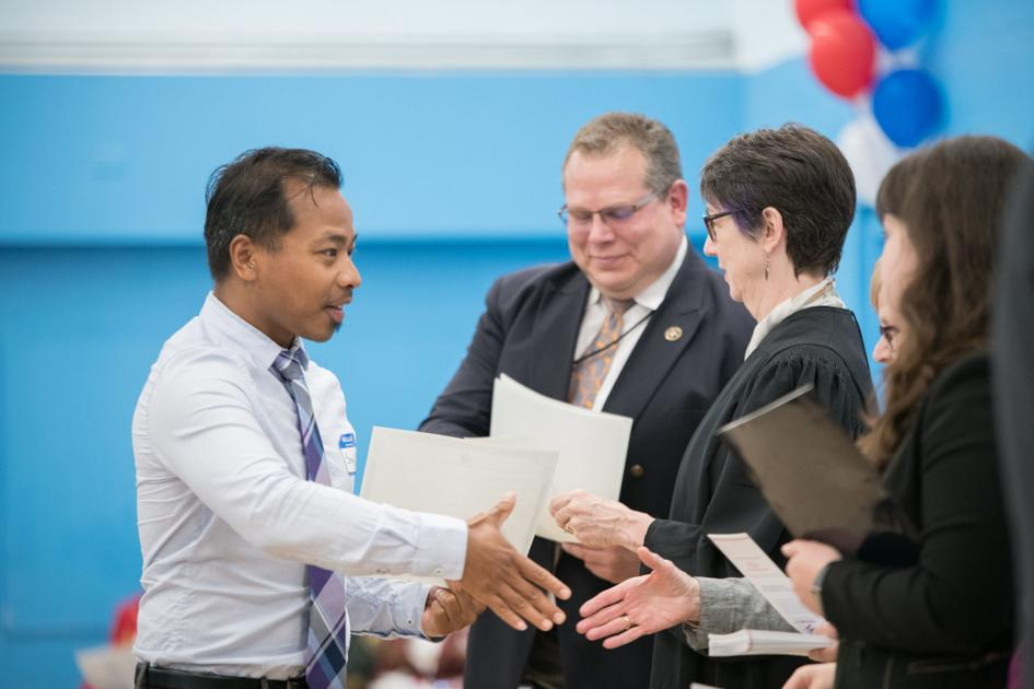 America welcomes 31 new citizens at naturalization ceremony | News
