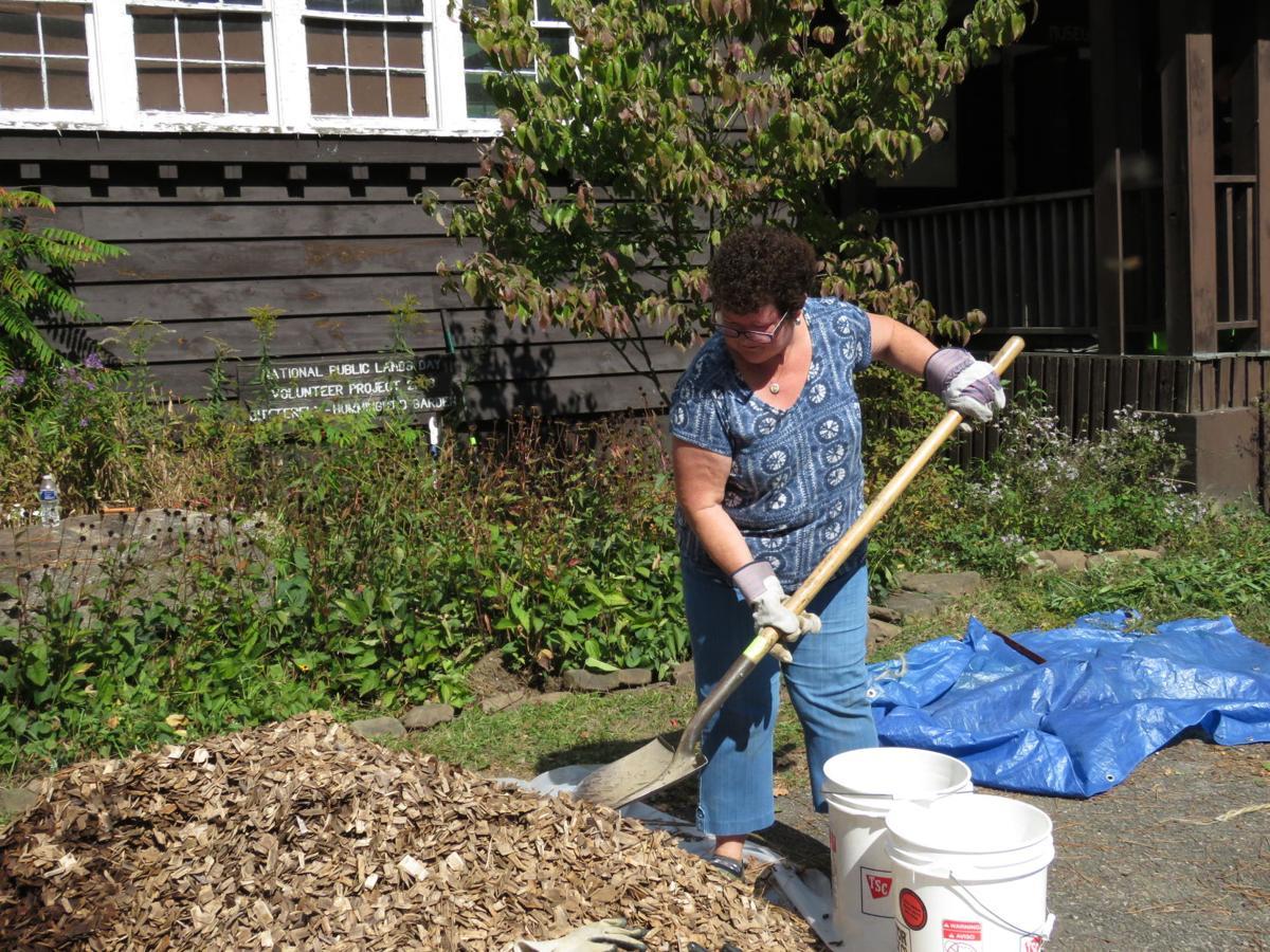 Nat. Public Lands Day-volunteer Deb Struebel.jpg