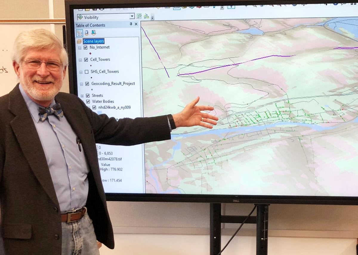 SCCSD using GIS technology to deliver internet access to students Hayes