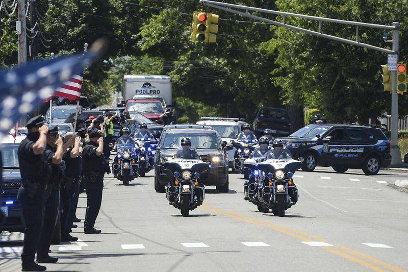 Popular veteran police officer killed in off-duty crash