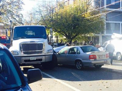 Three-vehicle crash closes stretch of Lafayette Street in Salem Monday morning