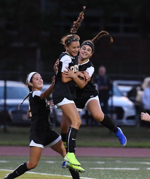 Fenwick opens new campaign with shut out of Marblehead