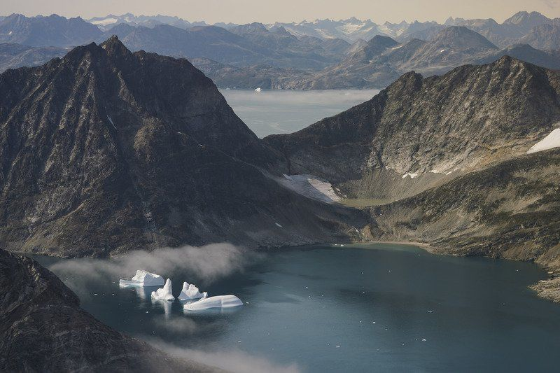 Warming Arctic seen as hot property by world powers