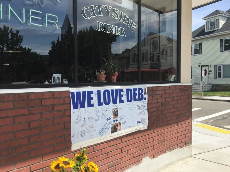 Staff keeps Beverly diner running in memory
