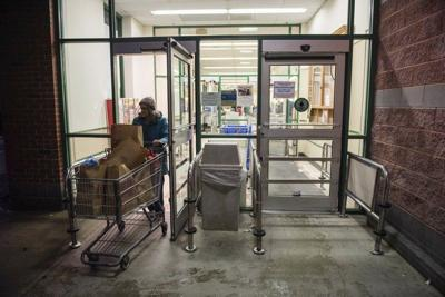 Market Basket to limit number of customers