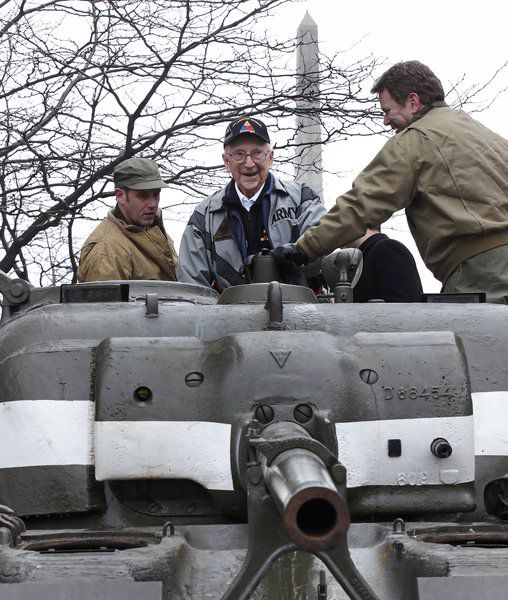 Thanks in a tank: WWII gunner, now 95, gets a nostalgic ride