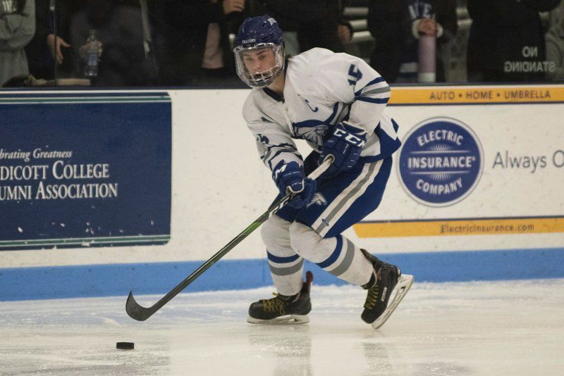 Wild finish gives Danvers hockey tie with Gloucester