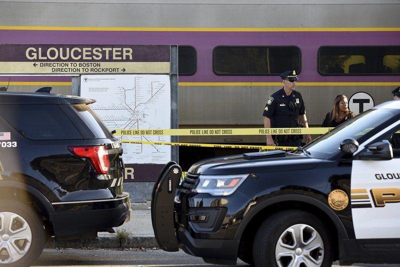 Mankilledwhen struck by MBTA trainin Gloucester