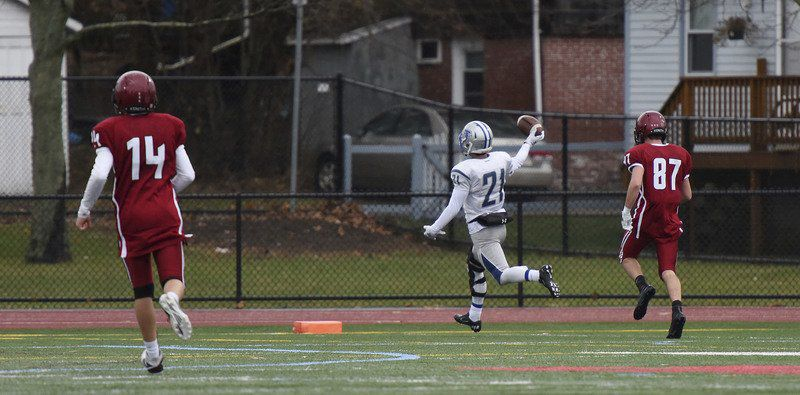 Record setting Danvers runs all over Gloucester in Turkey Day rout