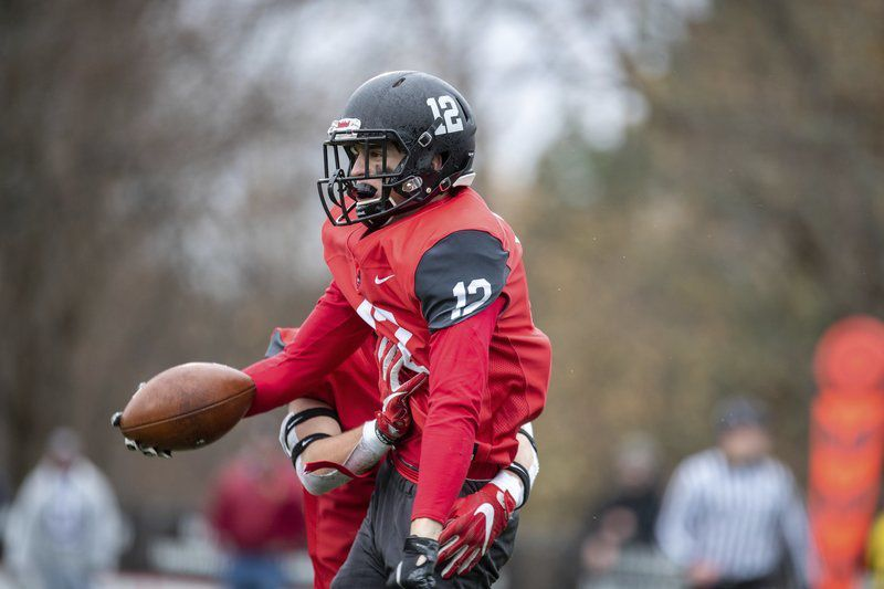 Spectacular catch with 16 seconds left sends Marblehead by Swampscott
