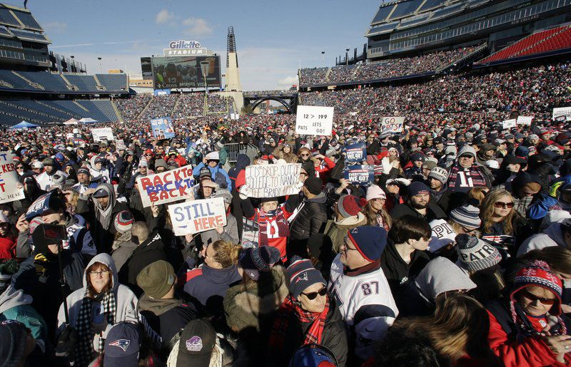 Thousands rally, send Patriots off to 3rd Super Bowl in row