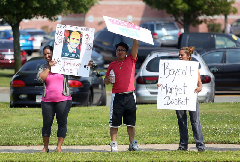 Danvers Market Basket forced to toss food | Local News