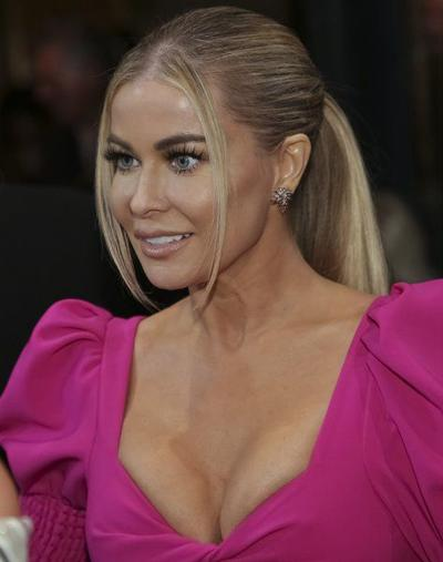 Carmen Electra, others suing Golden Banana over ads