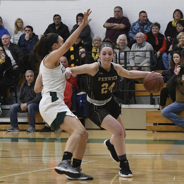 Bounce Passes girls basketball column:Youthful Fenwick is off to red-hot start