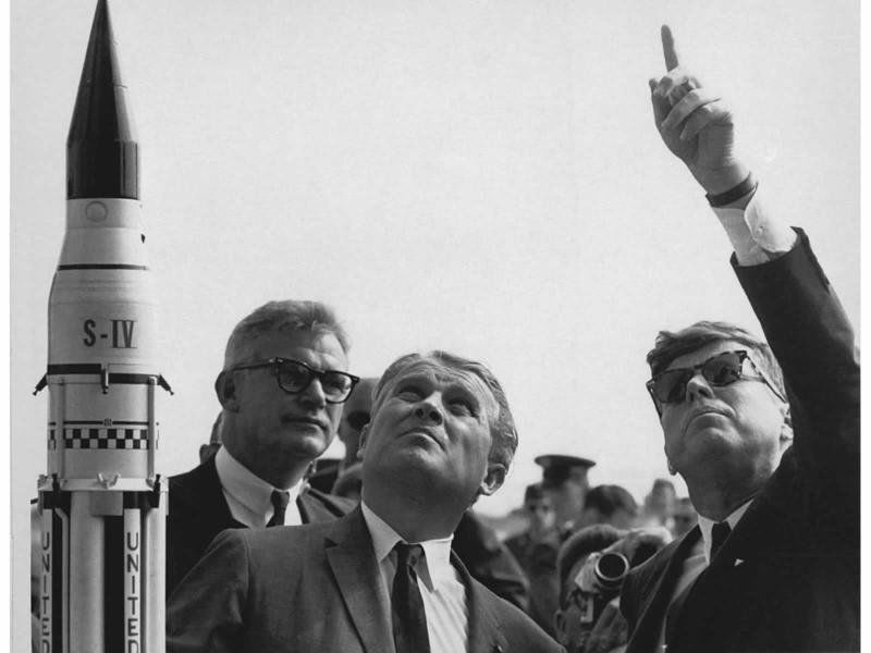 'The Moon Czar': Beverly man played key role in space race