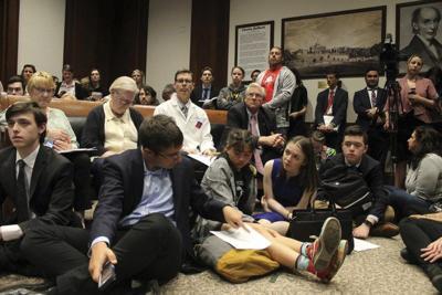 Majority of lawmakers back sex education bill